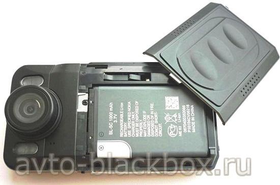 Видеорегистратор питается от батареи Nokia BL-5C