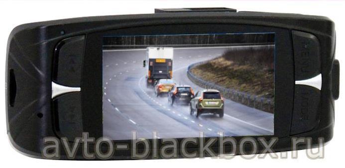 Автомобильноый регистратор DOD LS300W оснащен цветным дисплеем