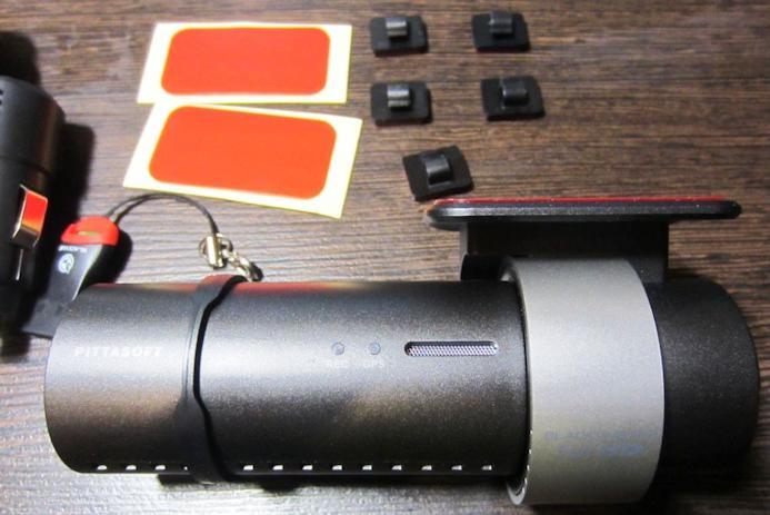 Комплектация автомобильного регистратора BlackVue DR500GW-HD Wi-Fi