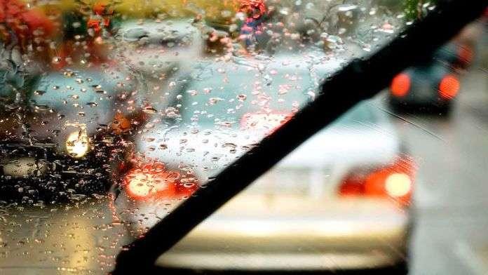 Toyota встраивает в дворники своих автомобилей датчики движения
