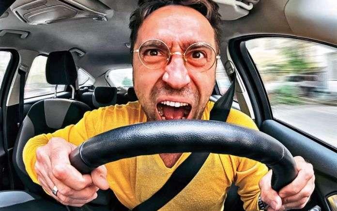 Прибор следит за состоянием автоводителя
