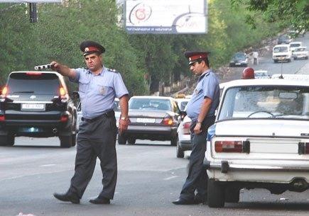 Гаишники ловят водителей без видеорегистраторов